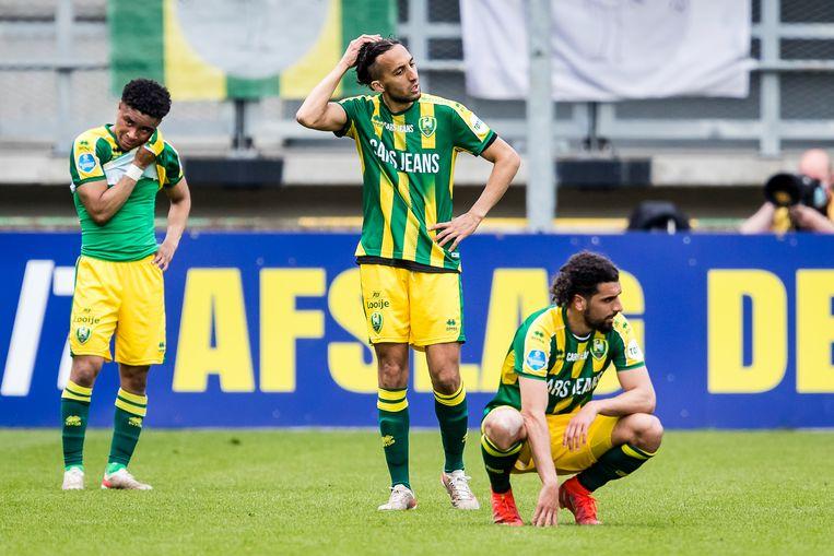 Teleurstelling bij de ADO-spelers Milan van Ewijk, Abdenasser El Khayati en Youness Mokhtar. Beeld Pro Shots / Toin Damen