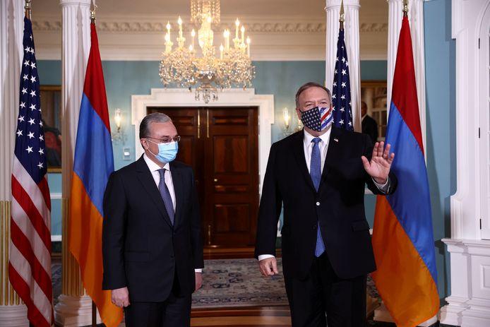 Le ministre arménien des Affaires étrangères Zohrab Mnatsakanian et son homologue américain Mike Pompeo (Washington, 23 octobre)