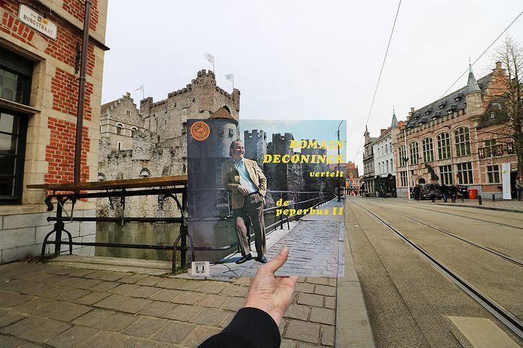 Romain Deconinck poseert in 1972 aan het Gravensteen Gent voor de hoes van 'De Peperbus II'.