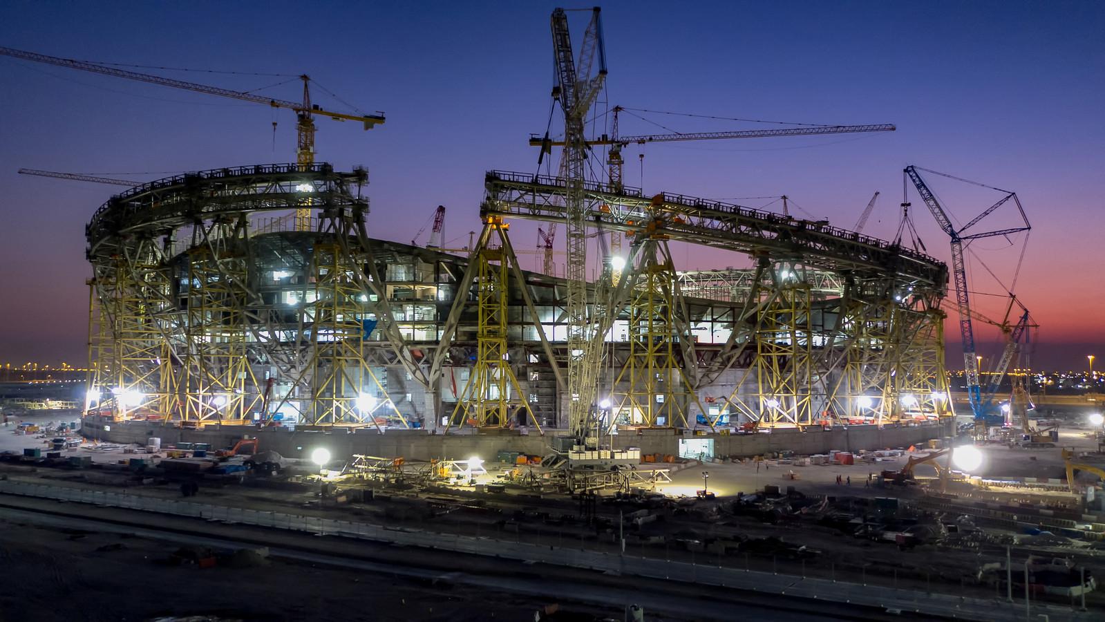 Een stadion in Qatar in aanbouw.