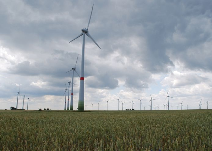 Windmolenpark in duurzaam modeldorp Feldheim, Oost-Duitsland, levert stroom voor het hele dorp. De regio staat bekend om zijn harde wind. Foto: GPD