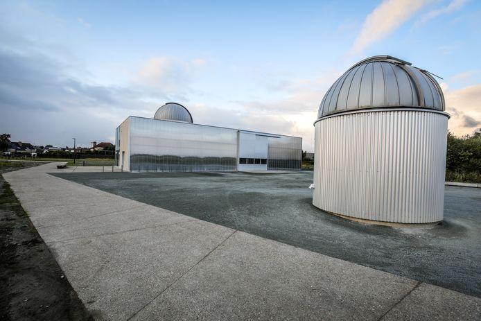 De twee waarneemkoepels zullen telescopen bevatten, interessant voor bezoekers én wetenschappers.