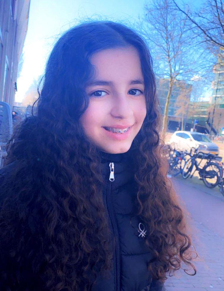 Aya El Hadrati: 'Ik verwacht dat ze op de middelbare school wel strenger zijn.' Beeld prive foto