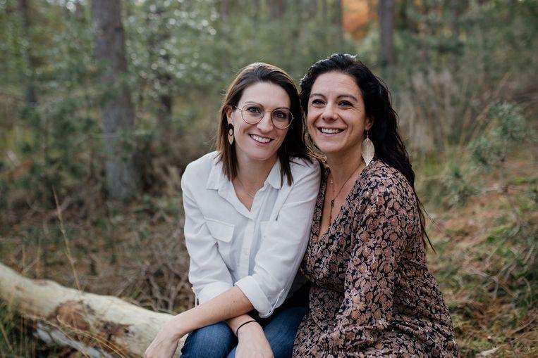 Sharon Geirnaert en Anneleen Fransen, de oprichters van Boven de Wolken. Beeld Boven de wolken