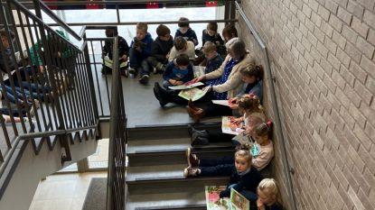 """Leerlingen lagere school Immaculata verbonden in leesketting: """"Méér mogelijkheden dan op een stoel"""""""