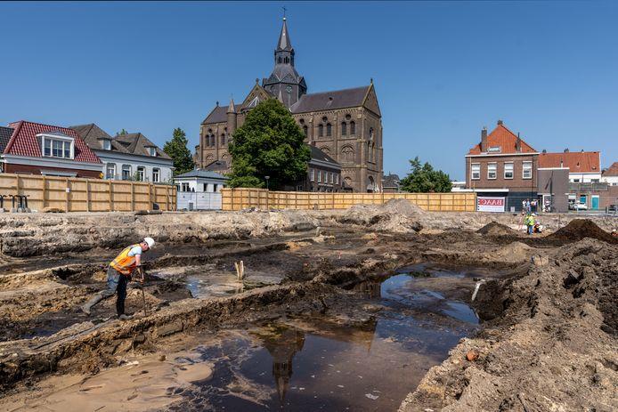 Een flink terrein is afgegraven.
