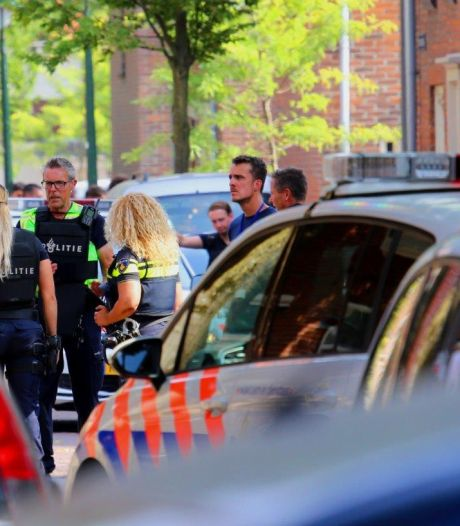 Meer aanhoudingen in onderzoek bewoner Zuidoosterfront na vernieling auto met honkbalknuppel