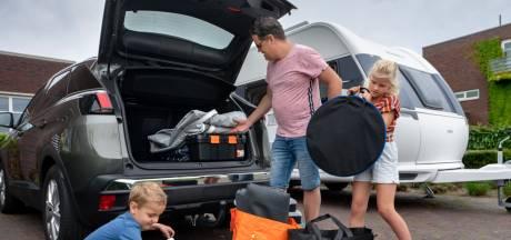Nieuwsoverzicht | Test- en vaccinatiecontroles bij de grens - Kringloopwinkels raken leeg