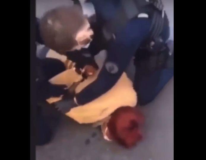 La dame qui a été plaquée au sol, ce lundi 8 mars, sur la place Saint-Lambert à Liège, parle de violence policière.
