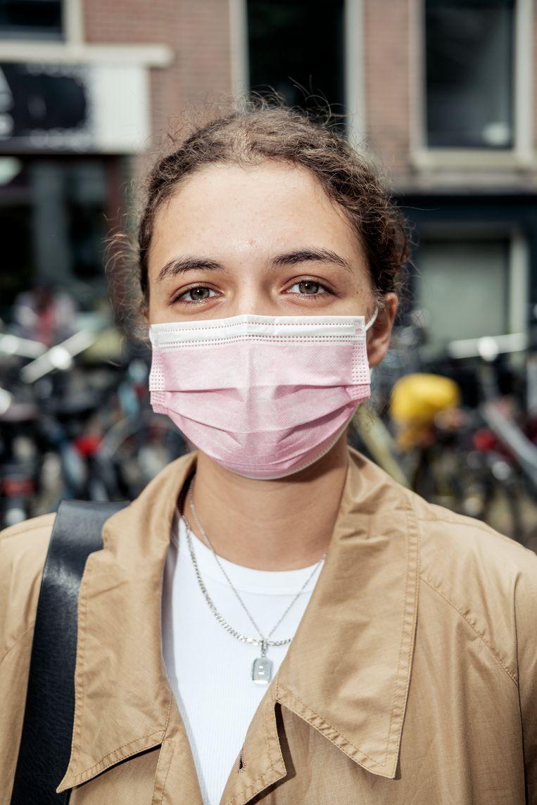 Lena Kirchesch: 'Ik voel me veiliger met een mondkapje' Beeld Jakob van Vliet