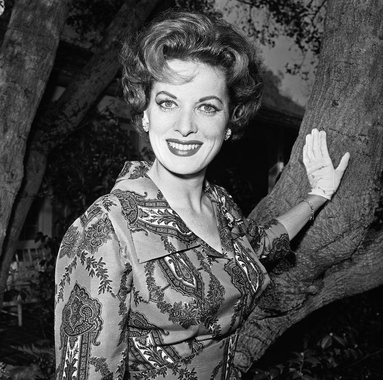 O'Hara in 1960 in haar tuin in Los Angeles. Beeld AP