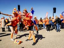 Oranjeparade trekt door Le Havre