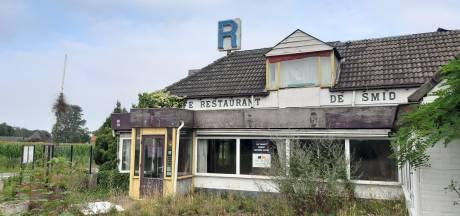 Er gebeurt voorlopig niets met de verpauperde restaurants bij Epse, al denkt Deventer van wel