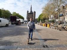 Passen en meten op Deventer Brink: Niet alleen terrassen open, maar ook de markt draait straks weer op volle toeren