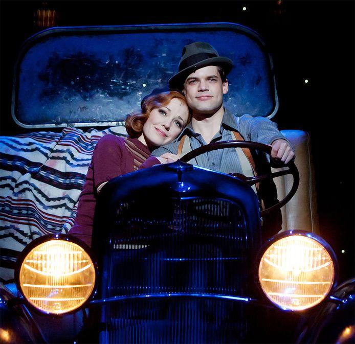 De musical Bonnie & Clyde stond in 2011 op Broadway met in de hoofdrollen Laura Osnes en Jeremy Jordan.