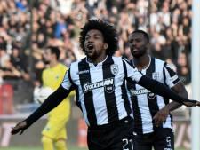 Scorende Biseswar viert kampioensfeest PAOK met uitzinnige fans