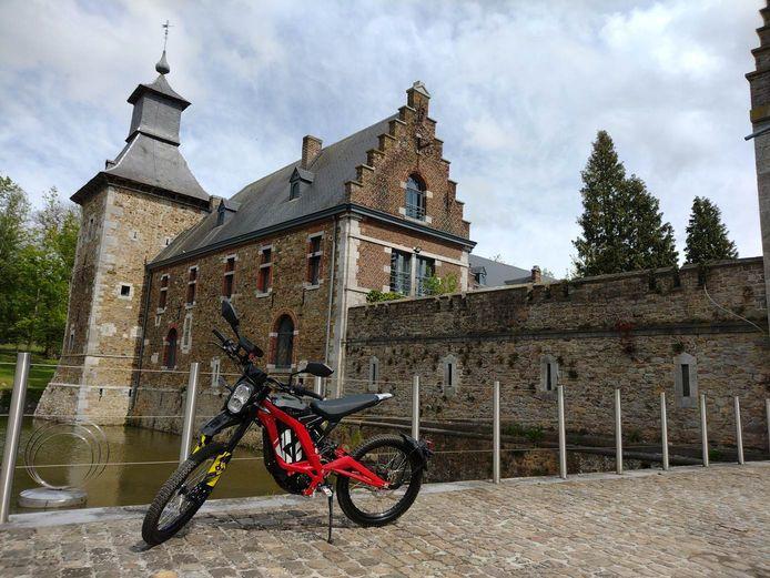 Découverte de la Wallonie en Sur Ron, une moto 100% électrique.
