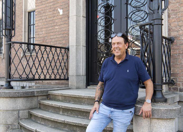 Eigenaar Benito Amato van Benitech Kozijnen stelt 10.000 euro beschikbaar voor noodlijdende ondernemers.