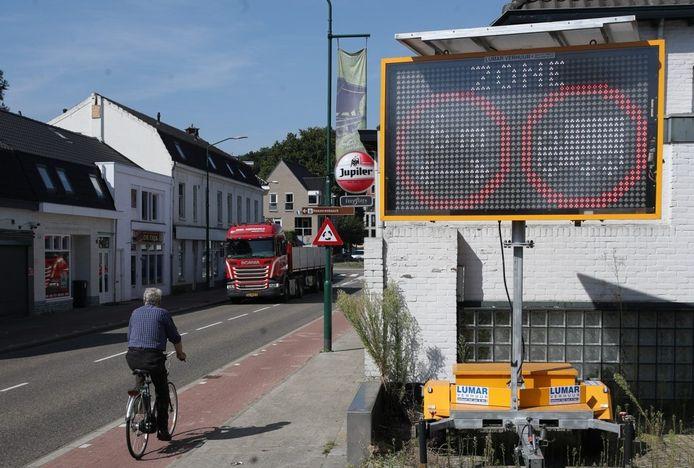 Doorgaand vrachtverkeer mag niet meer door het centrum van Heeze.