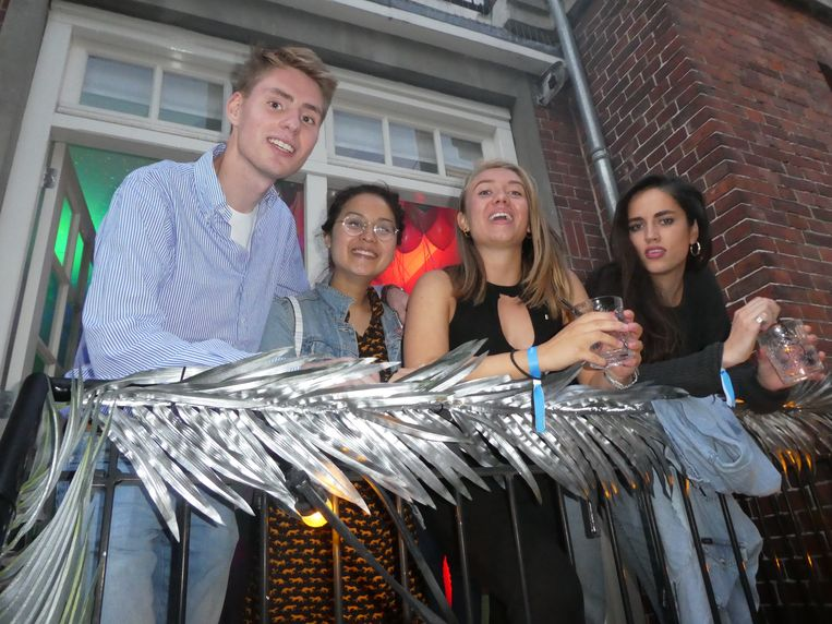 Baptist Standaert (GoSpooky), art director Cathy Nguyen, Melissa Krechting (GoSpooky) en creative Lotte den Toonder. Beeld Hans van der Beek