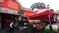 Net nu aantal faillissementen afneemt en er restaurants bijkomen: minister Ducarme bombardeert horeca tot 'sector in crisis'