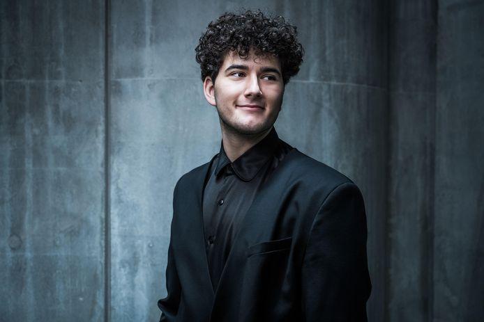 Gjon is de Zwitserse inzending voor het Eurovisie Songfestival in Rotterdam.