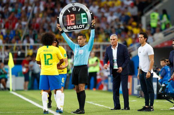 Marcelo moest al na tien minuten naar de kant.
