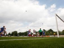 Extra kunstgrasveld voor voetbalclubs Bennekom en Lunteren