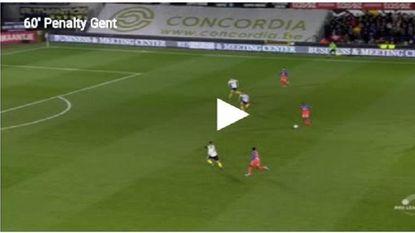 VIDEO: Gent krijgt duidelijke strafschop niet