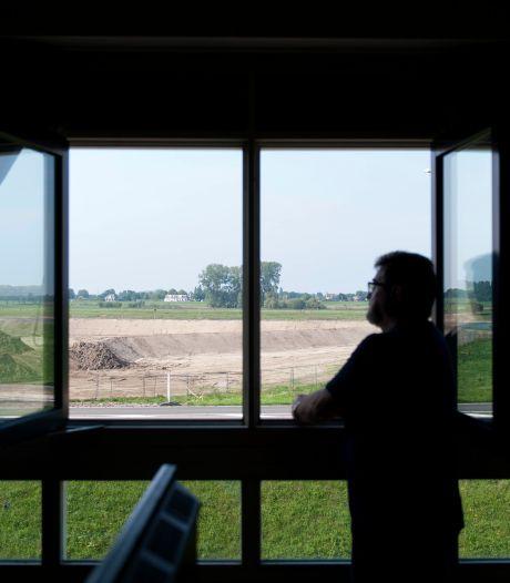 Na 14 jaar wachten verpest nieuwe dijk uitzicht op de IJssel, omwonenden woedend: 'Volstrekt onacceptabel'