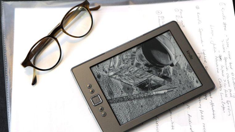 Boeken lezen op een e-reader Beeld EPA