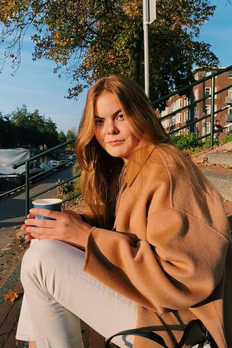 Gravin Eloise in uniek boek: 'Dankzij parelketting heb ik gevoel dat ik oom Friso altijd bij me draag'