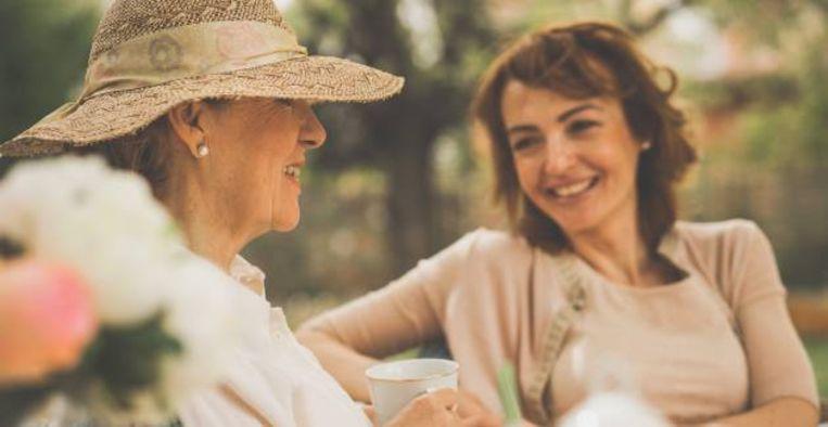 Roos Schlikker gaat in gesprek met haar schoonmaker
