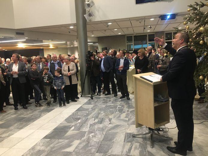 Burgemeester Mark van Stappershoef van Goirle blikt terug en kijkt vooruit tijdens zijn nieuwjaarstoespraak.