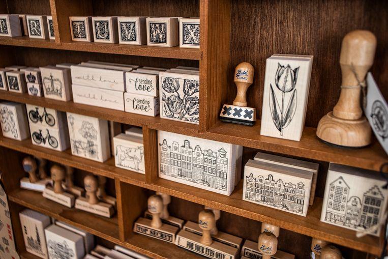 Stamps at the Posthumuswinkel in Sint Luciënsteeg Beeld Lin Woldendorp