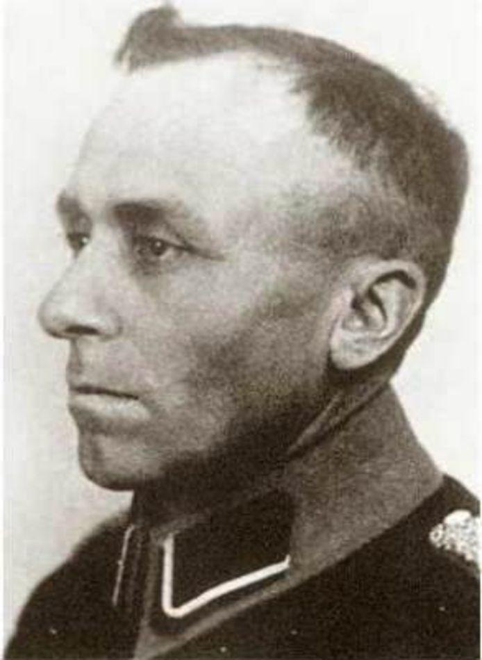 Opperwachtmeester Harmen Visser alias 'Ome Willem'.