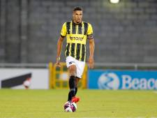 Transfer verdediger Doekhi van Vitesse naar Dinamo Zagreb ketst af