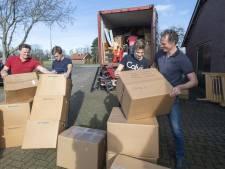 Brian Wegdam uit Hengevelde zag de armoede in Sierra Leone met eigen ogen en organiseert nu hulptransporten met naaimachines en fietsen