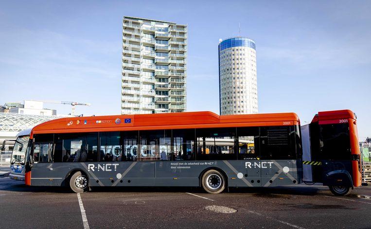 Een bus die op waterstof rijdt. De bussen moeten in Groningen, Drenthe en Zuid-Holland gaan rijden. Beeld ANP