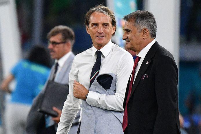 Roberto Mancini et Senol Gunes, à droite