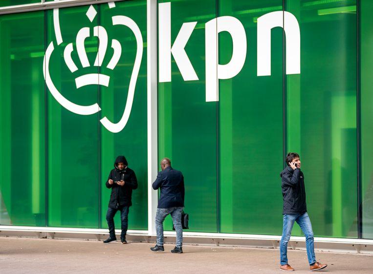 De buitenkant van het hoofdkantoor van KPN in Rotterdam. Beeld ANP