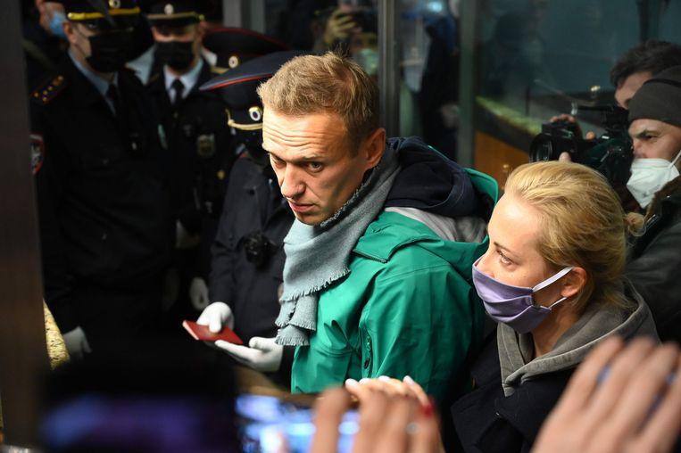 Aleksej Navalny op het vliegveld in Moskou. Beeld AFP