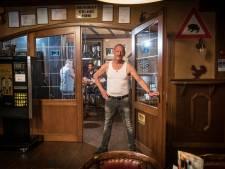 Veluwse kroegbazen balen van verbod op rookruimten: 'voel mij in m'n hemd gezet'