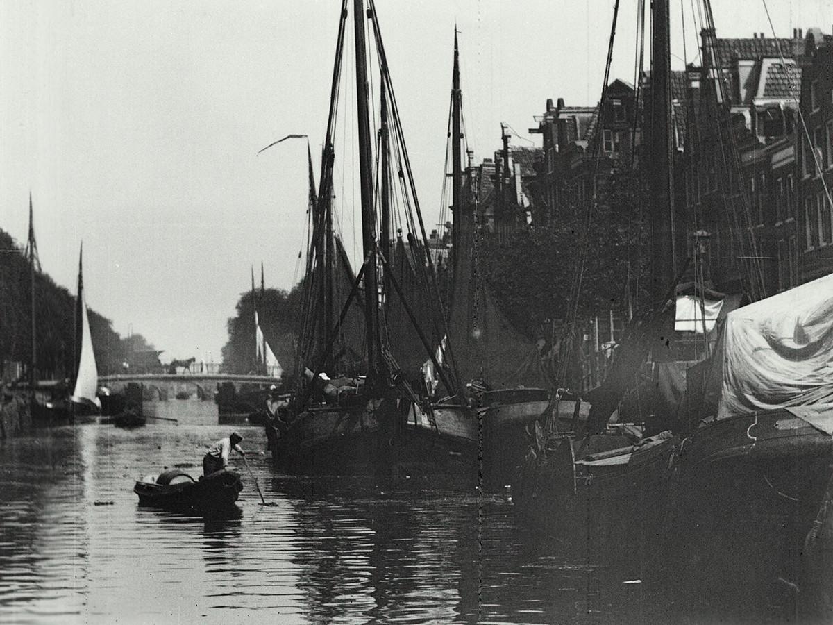 uit 'Brilliant Biograph', een compilatie van de vroegste bewegende beelden uit verschillende Europese landen. Daan van den Hurk componeerde er muziek bij.
