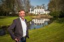 Directeur Bert Lankman van Drieklomp Makelaars zette Landgoed Klarenbeek namens de eigenaar voor 2,4 miljoen euro in de markt.
