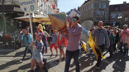 Nieuwe scholengroep 'Kinderkosmos' ziet het licht in spetterende show