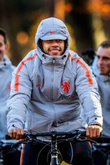 Fotoserie: Oranje op de fiets naar de training