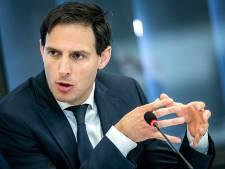Hoekstra waarschuwt voor misbruik noodpakket: 'Wie dat lef heeft, krijgt overheid achter zich aan'