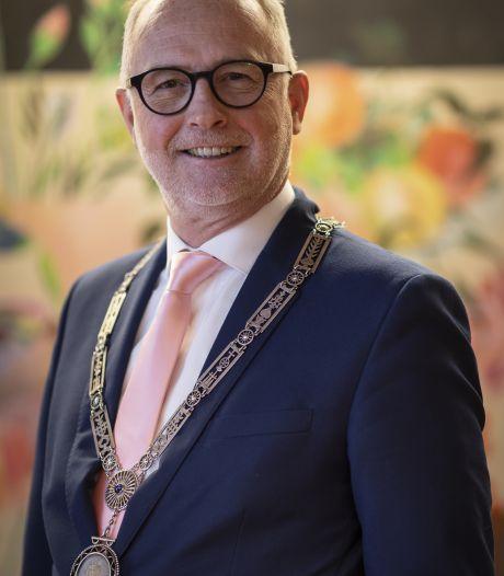 Barnevelder Gerard van den Hengel wordt burgemeester in Opmeer