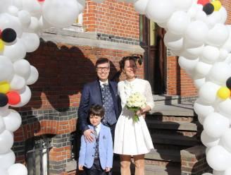 Feest in Horebeke: burgemeester Cynthia Browaeys trouwt met Peter